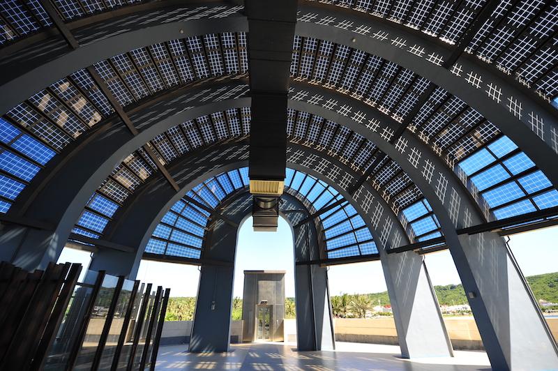 鯨典館外部太陽能電池