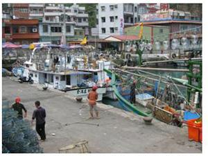 龜吼沿岸漁業作業船隻(林永銘 攝影)