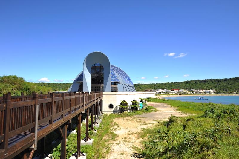 濱海木棧道與鯨典館