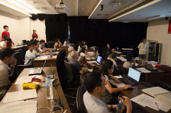 主持西太平洋石首魚紅皮書的評估 (照片六、陳柔蓉攝)