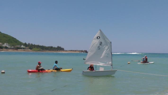 帆船出海體驗,教練也都會隨行在旁照護