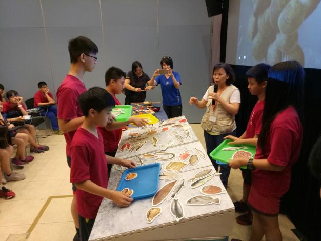 學員永續海鮮挑選
