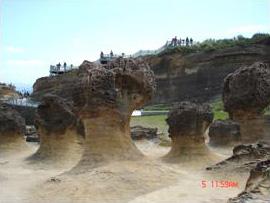 野柳的蕈狀岩(林曉屏 攝影)